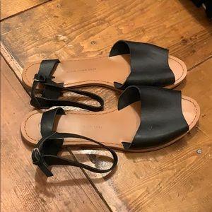 Black gap sandals size 10